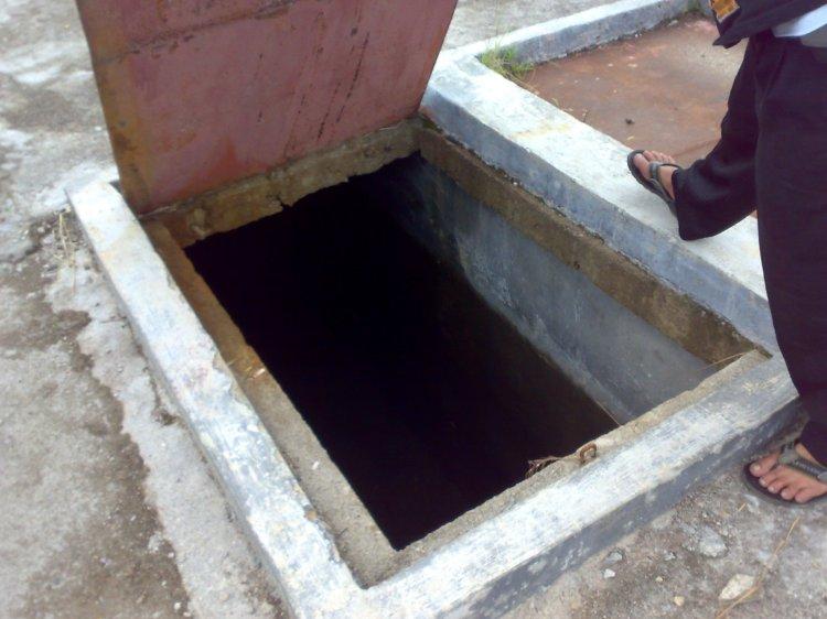 Penampungan Air di Telbang Kayu Kecamatan Salak yang dibangu dengan nilai anggaran senilai Rp. 4 M lebih. Terlihat air kemerah-merahan dengan ketinggian satu meter. @