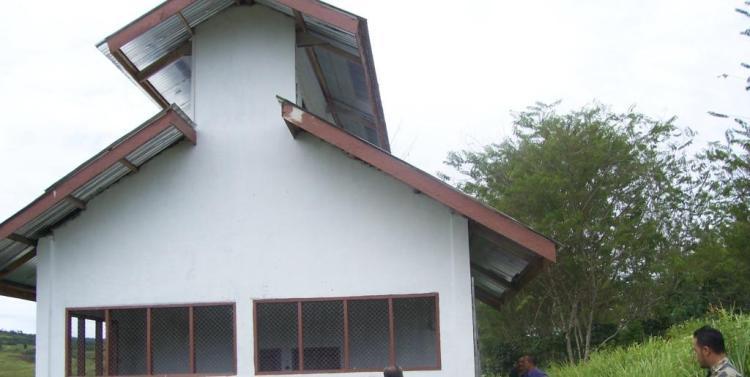 Inilah bangunan bantuan pemerntah Propinsi Sumatera Utara berupa fasilitas pembuatan kompos yang tidak kunjung difungsikan di Desa Silima Kuta Kecamatan STTU JULU Kabupaten Pakpak Bharat. @